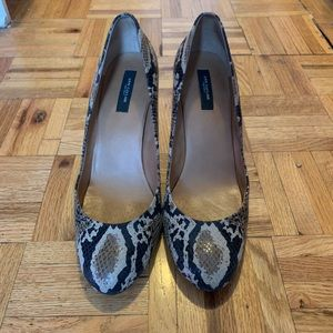 Ann Taylor Olympia Perfect Pumps  Black Snakeskin